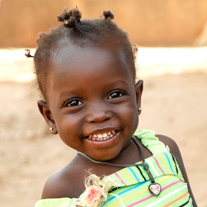 Bambina adozioni_a_distanza_comunita_santegidio_africa