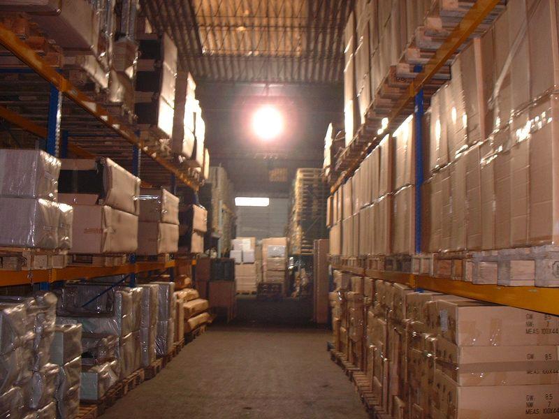 Magazzino merci goods