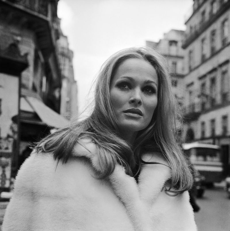 Ursula-Andress-097